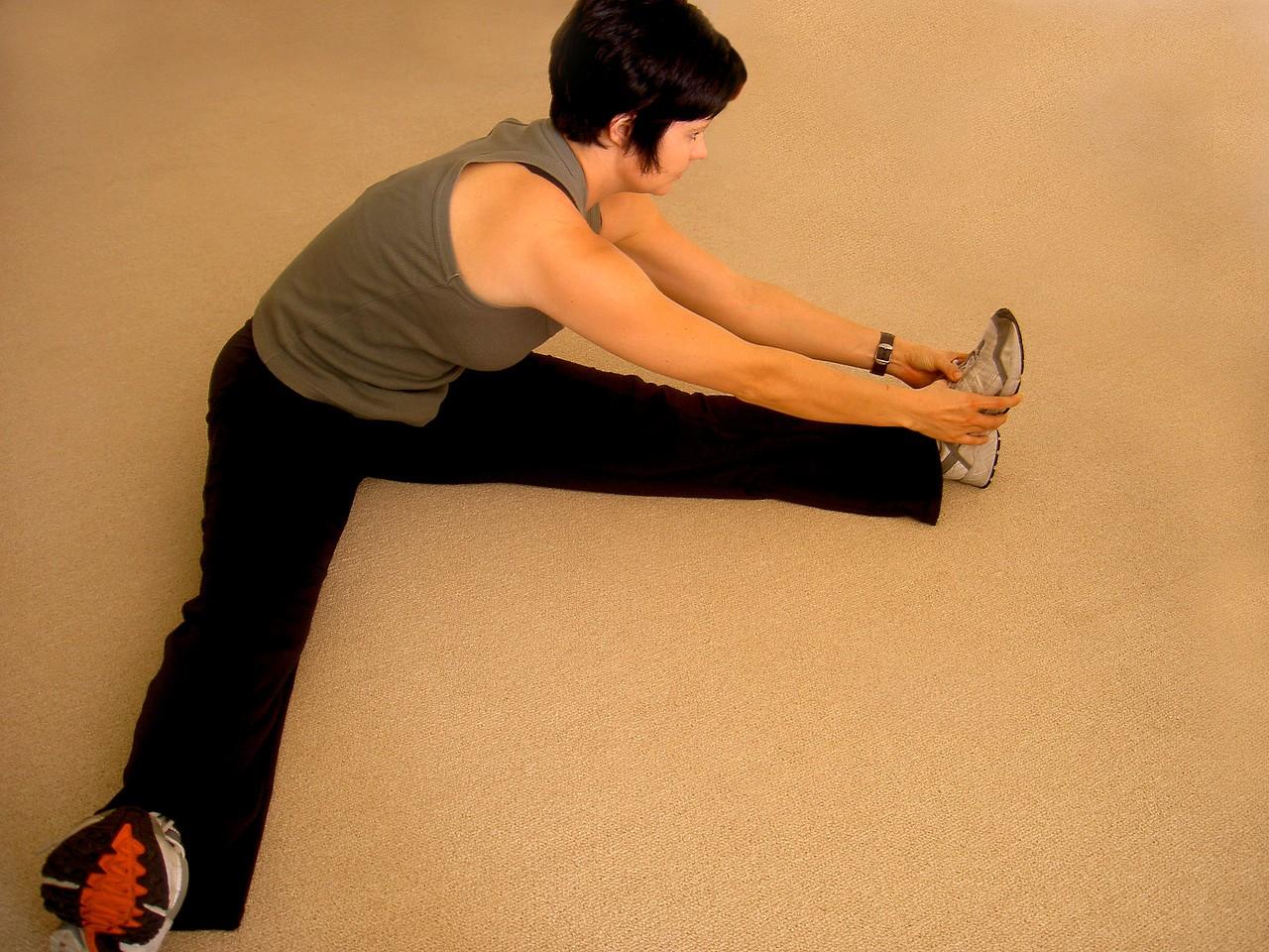 Jak wybrać akcesoria sportowe na siłownię