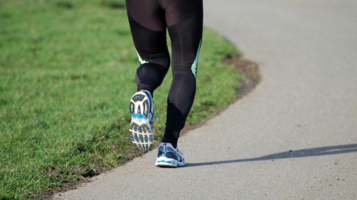 Akcesoria sportowe zaawansowane technologicznie – top gadżetów z rynku